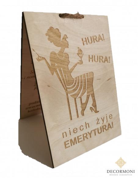 prezenty dla emerytki drewniana kartka
