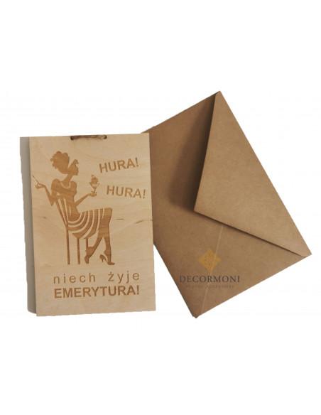 oryginalny prezent dla emerytki kartka z drewna