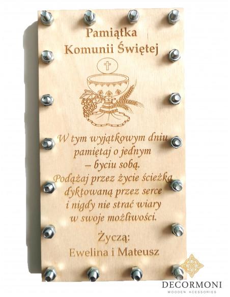 Zakręcona kartka drewniana KOMUNIA
